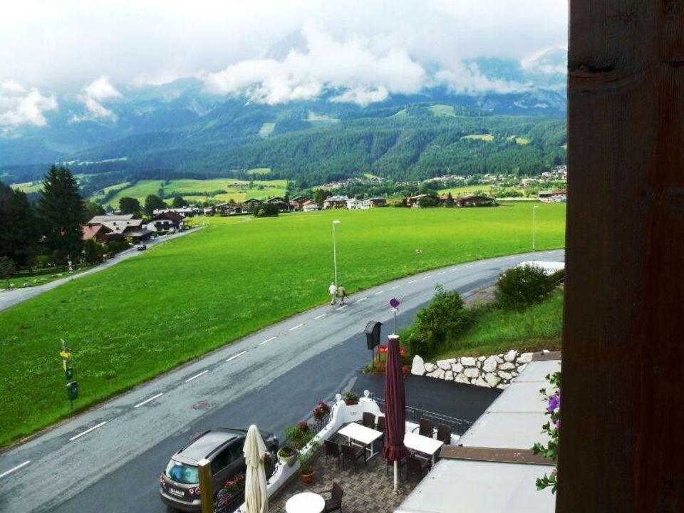 Blick vom Hotelzimmer auf Ellmau und Wilden Kaiser Pension Bettina