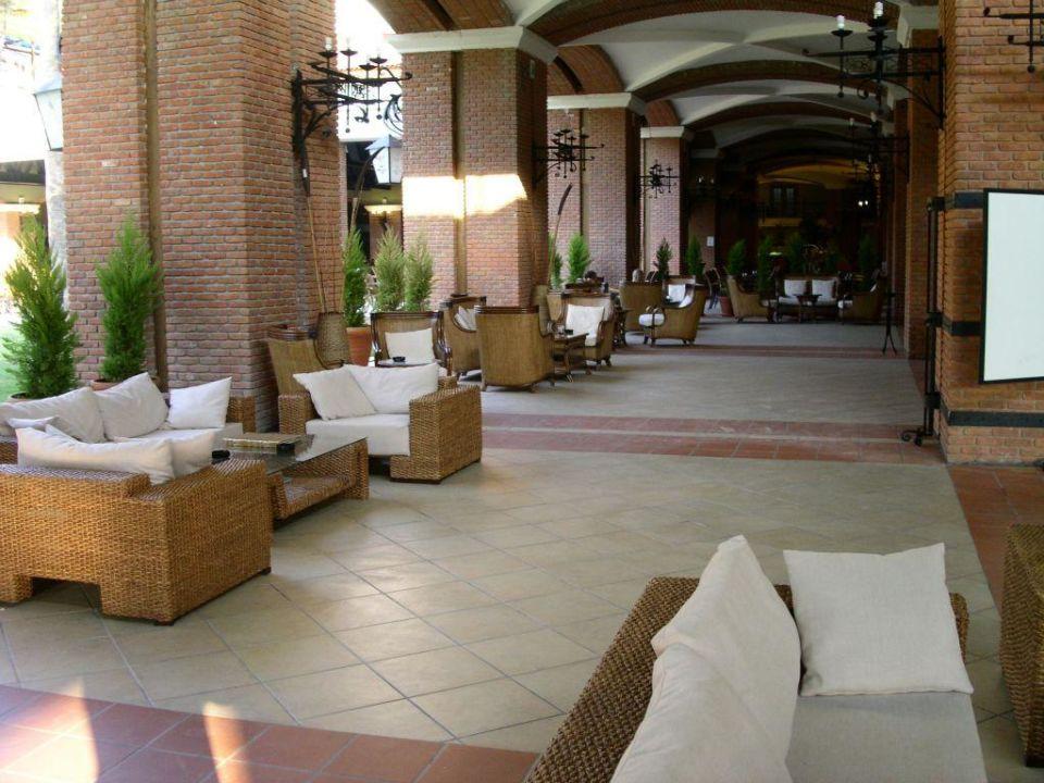 Lobby mit Blick zum Restaurant Grand Yazici Club Turban