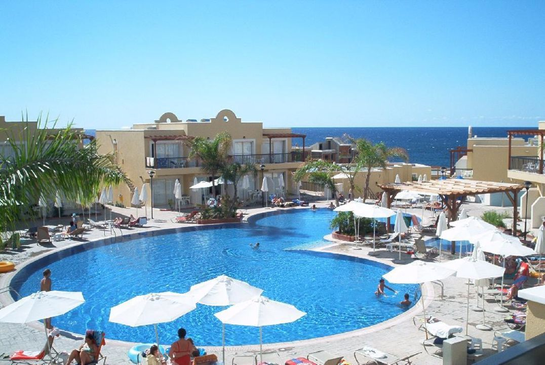 Pool  von der Eingangsterrasse Hotel Pafian Park Holiday Village  (Vorgänger-Hotel – existiert nicht mehr)
