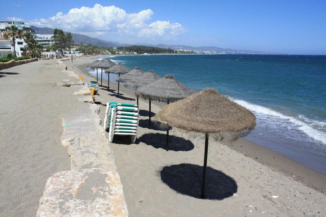 Strand mit acht Schirmen IBEROSTAR Marbella Coral Beach