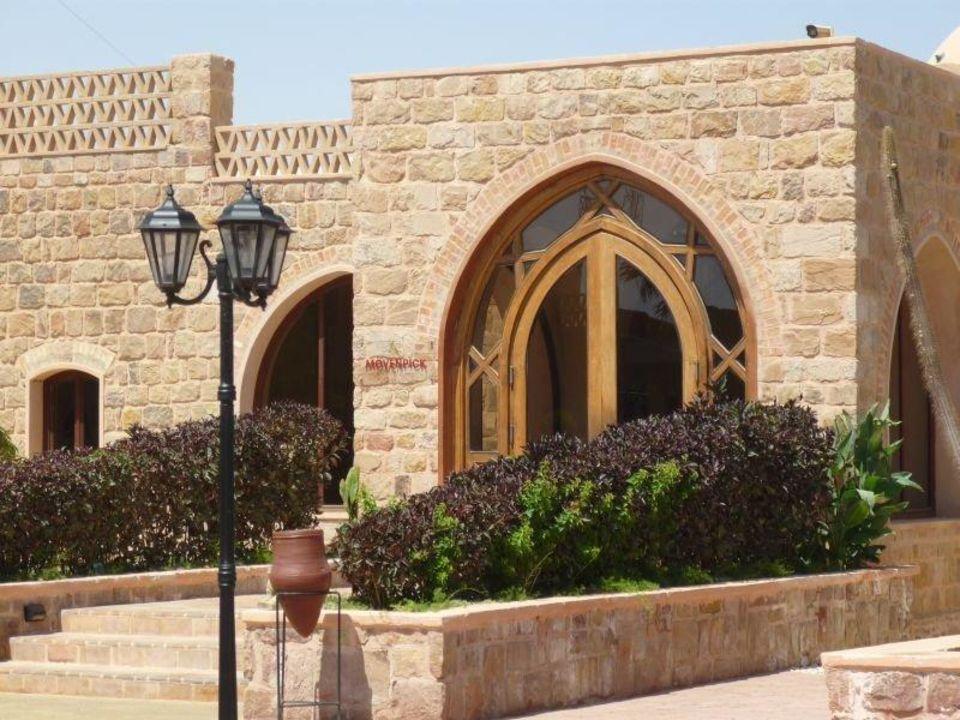 Blick zum Eingangsbereich Mövenpick Resort El Quseir