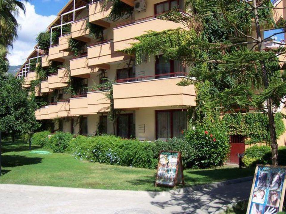 Hotelnebengebäude-Balkonseite Hotel Panorama