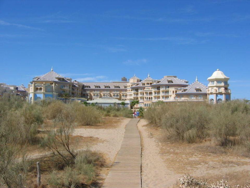 Hotel vom Strand aus Melia Atlantico Isla Canela