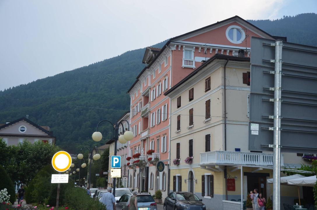Hotel von außen Hotel Eden