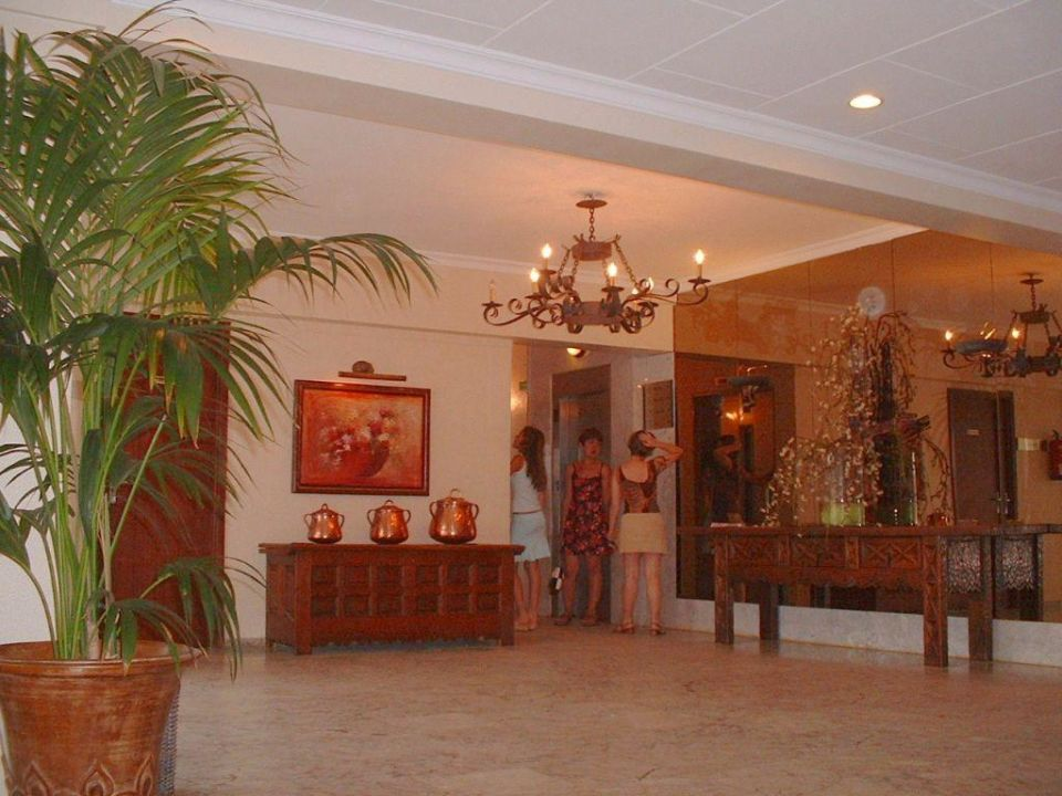 Hotelhalle Gran Bahia Hotel & Apartments