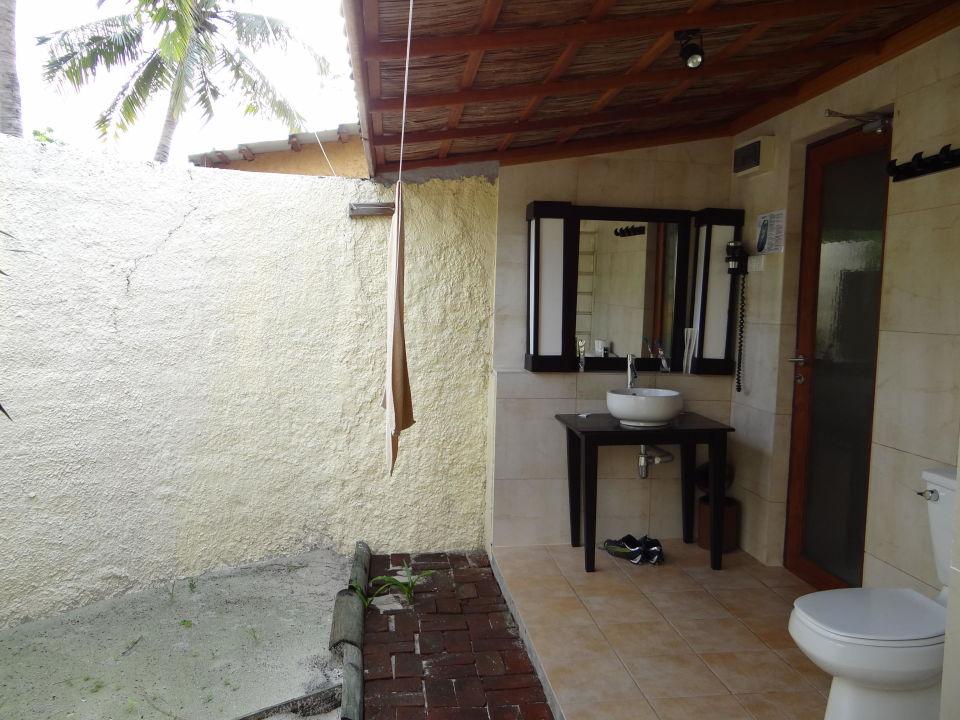 badezimmer gartenbungalow kuredu island resort spa. Black Bedroom Furniture Sets. Home Design Ideas