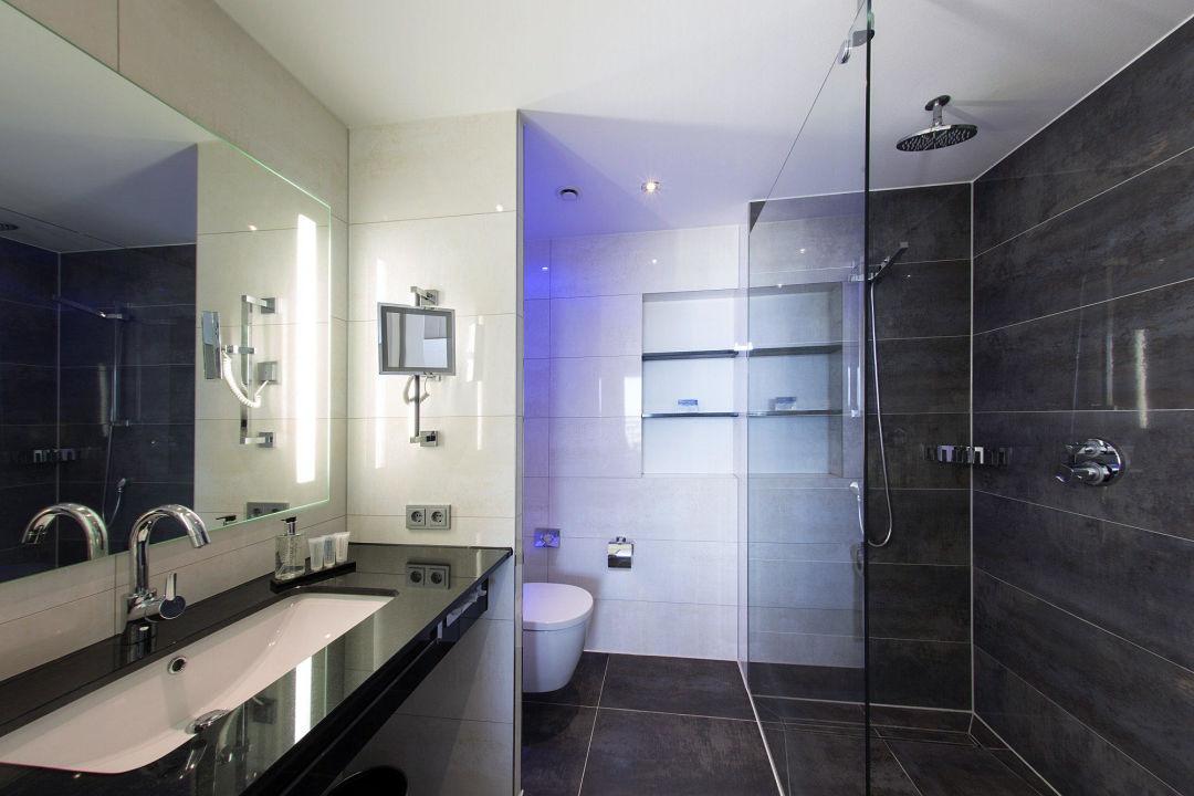 Badezimmer De Luxe und Grand De Uxe\