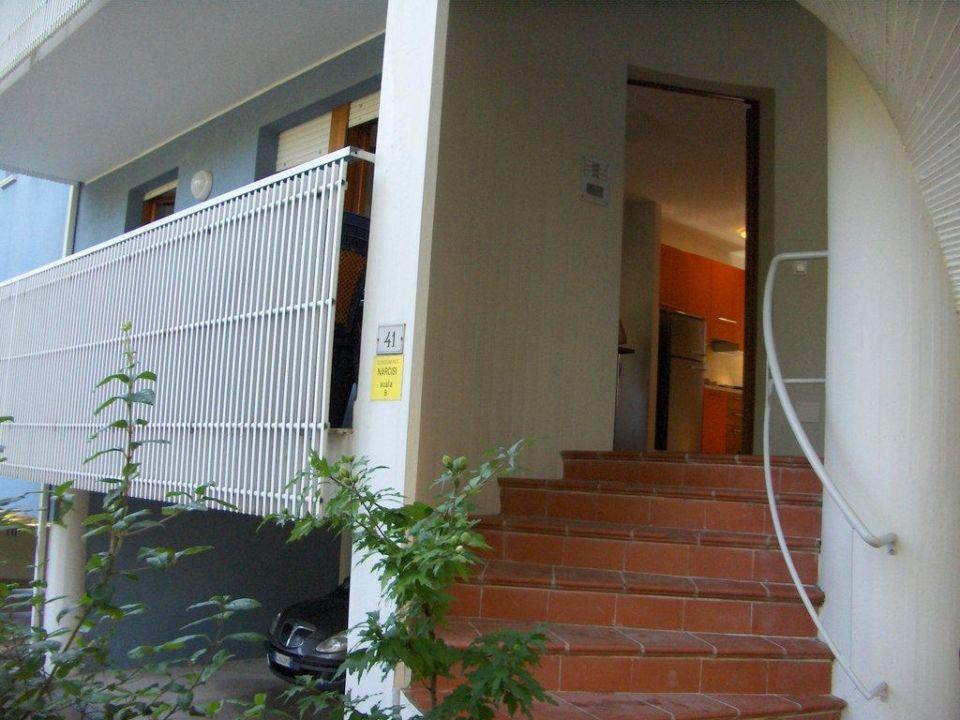 Klatka schodowe i wejście do apartamentu Appartements Narcisi