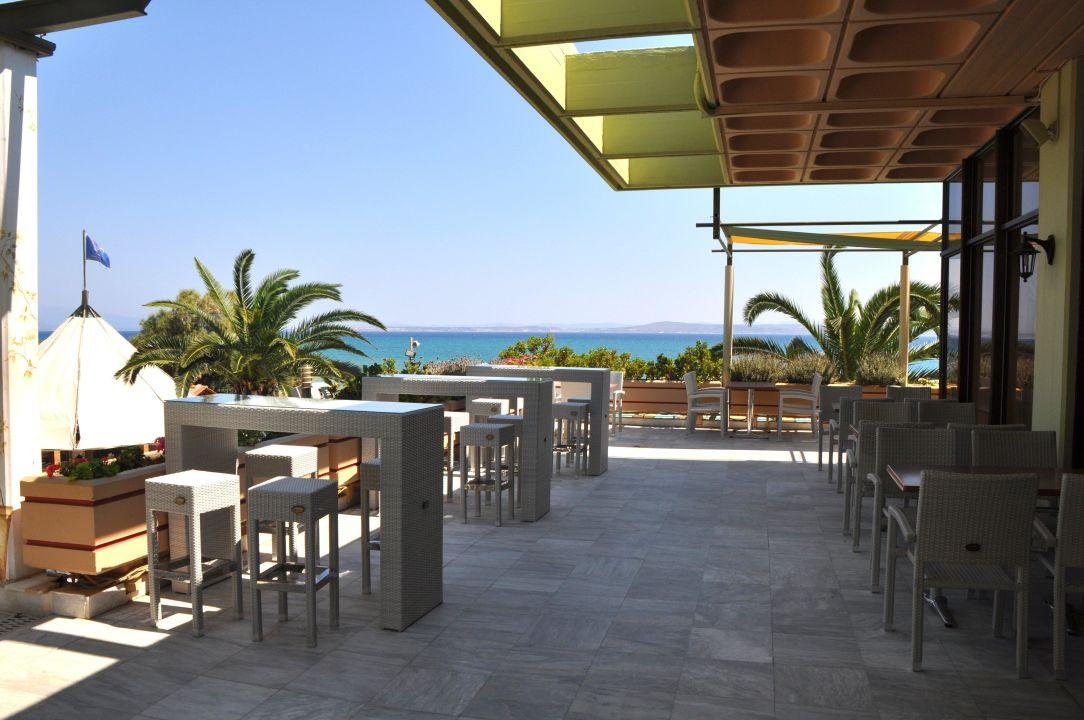 Stylische hotelbar hotel golden sand karfas for Stylische hotels
