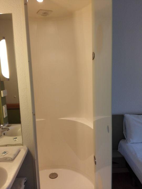 Duschkabine Mit Duschgelspender Nicht Sichtbar Ibis Budget Hotel