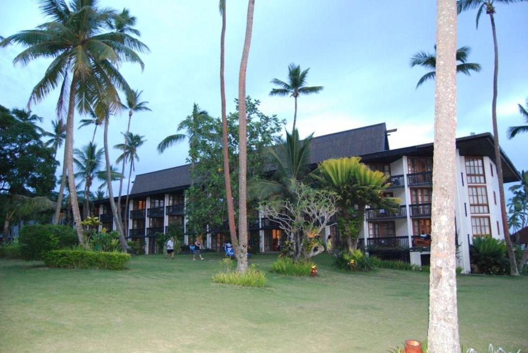 Вид на отель. Warwick Fiji Hotel
