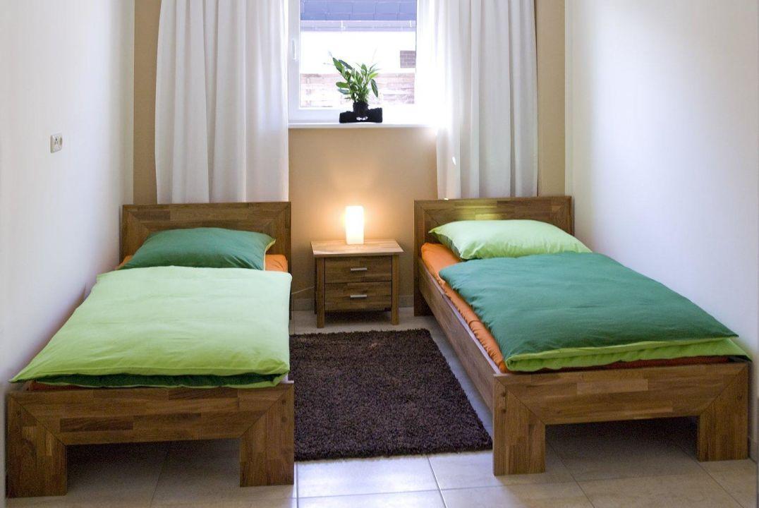 awesome schlafzimmer bild 2 #1: Schlafzimmer 2 mit 2 Einzelbetten Ab-in-die-Ostsee Appartement