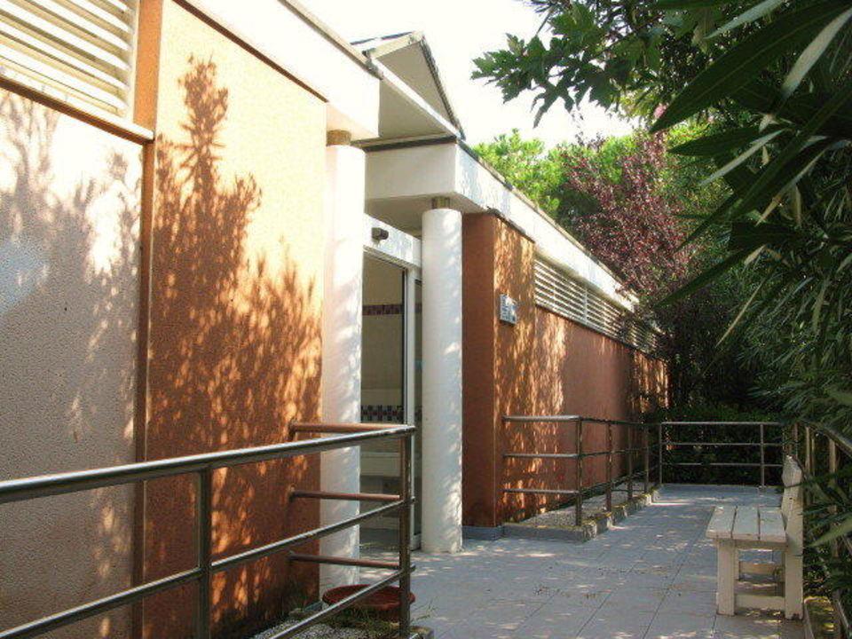 Sanitärhaus Eingang Camping Union Lido