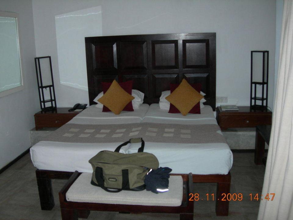Großes bequemes Bett AVANI Kalutara Resort