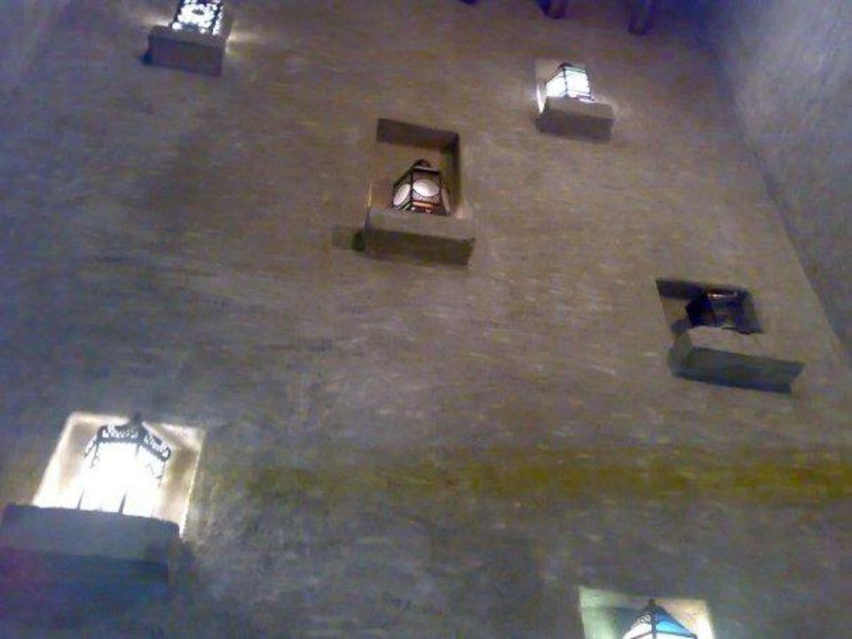 Hotelanlage mit der Lichterwand Hotel Bab Al Shams Desert Resort & Spa