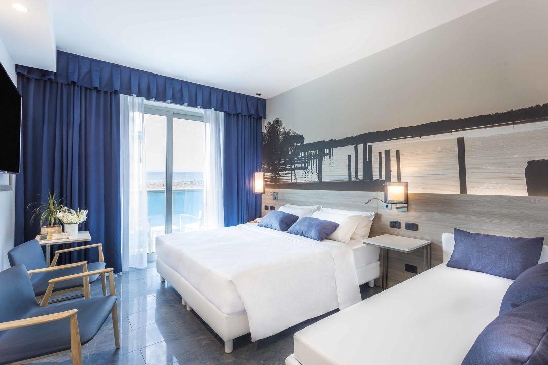 Zimmer hotel parigi bibione holidaycheck venetien for Design hotel parigi