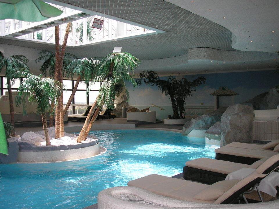 Pool Im 22 Stock Sheraton Munchen Arabellapark Hotel Munchen