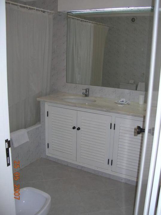 Jedna z łazienek w apartamencie Hotel Balaia Golf Village