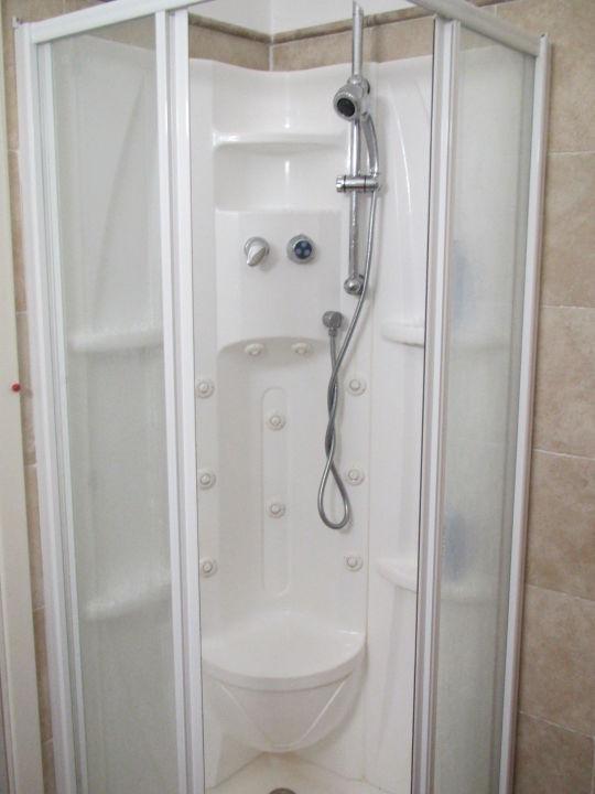Auf den ersten Blick schöne Dusche Alessandro Hotel