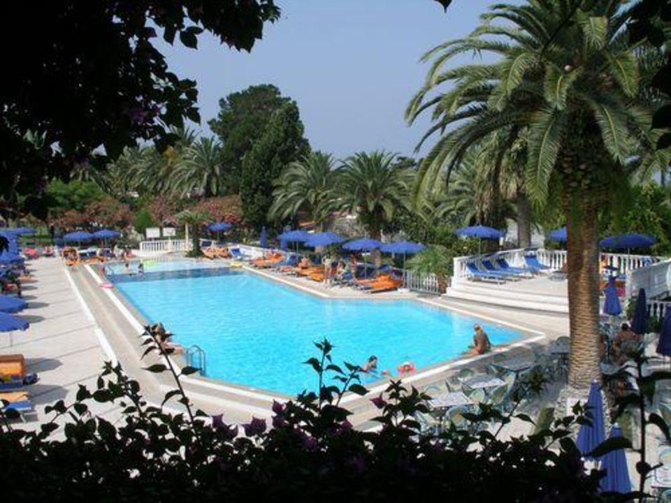 Pool im Rocca Nettuno LABRANDA Rocca Nettuno Tropea