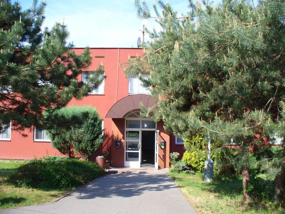 Eingang Hotel Slavia