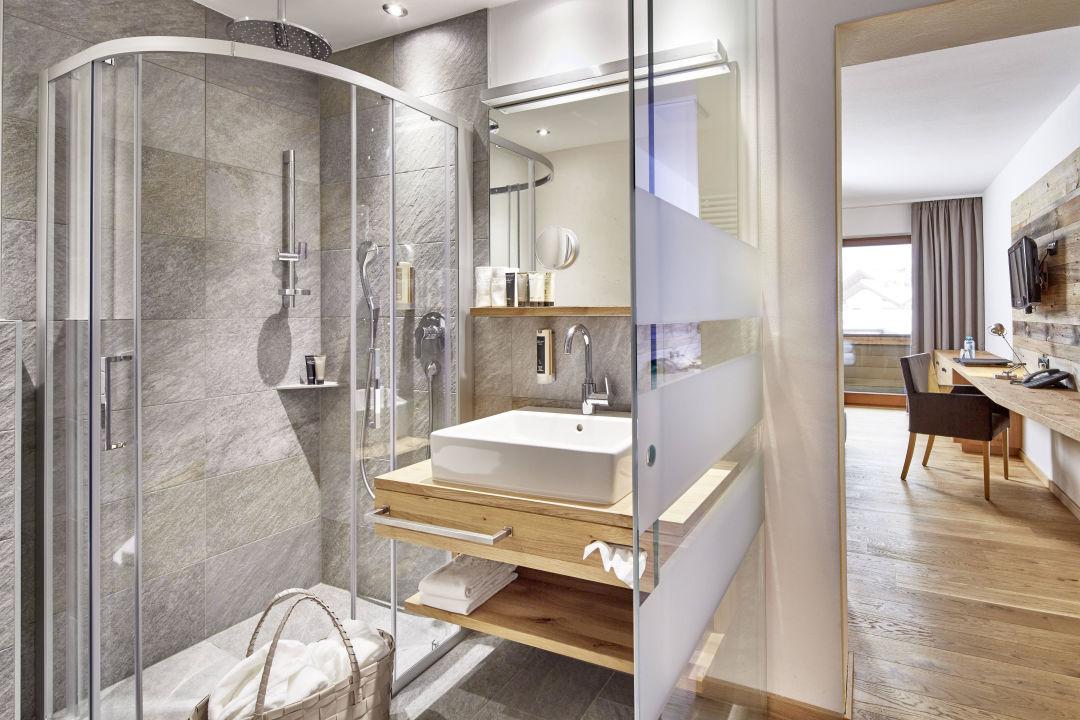 Bild design zimmer neu zu der gr ne baum hotel in ehrwald for Design hotel f 6 genf
