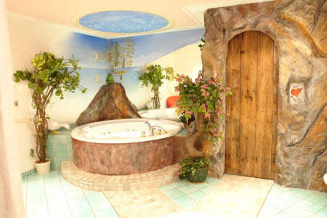 Luxus Suite Turmsuite Badezimmer Mit Whirlpool