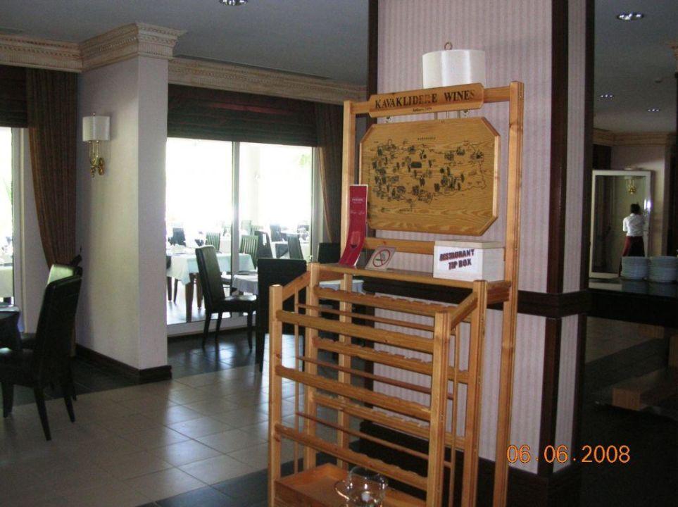 Restaurant (innen) Buffet / Weinregal Castle Resort & Spa Hotel Sarigerme