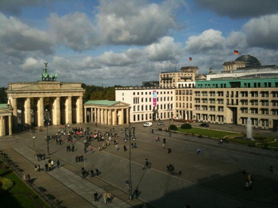 pariser platz hotel adlon kempinski berlin berlin mitte. Black Bedroom Furniture Sets. Home Design Ideas