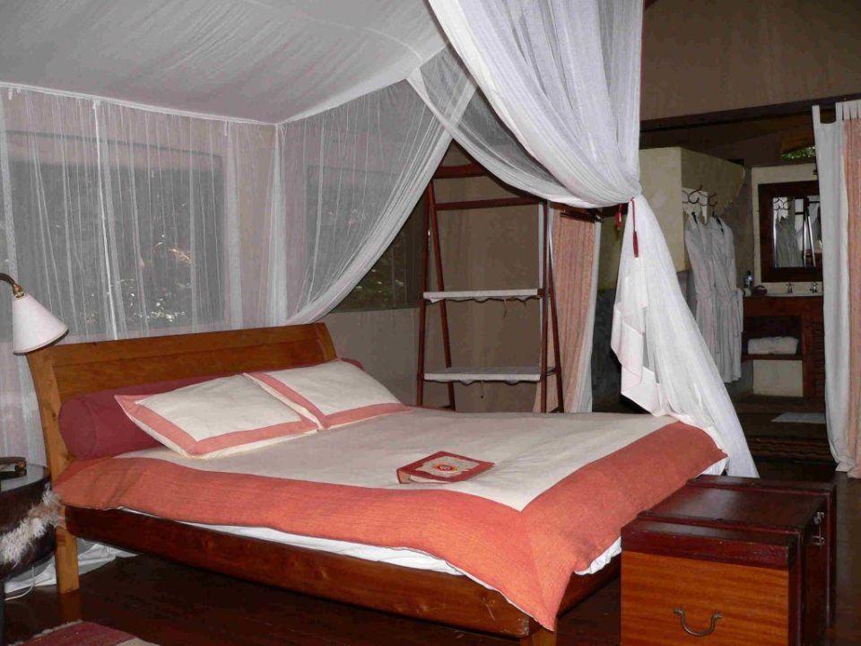 Bett Hotel Olonana Safari Camp