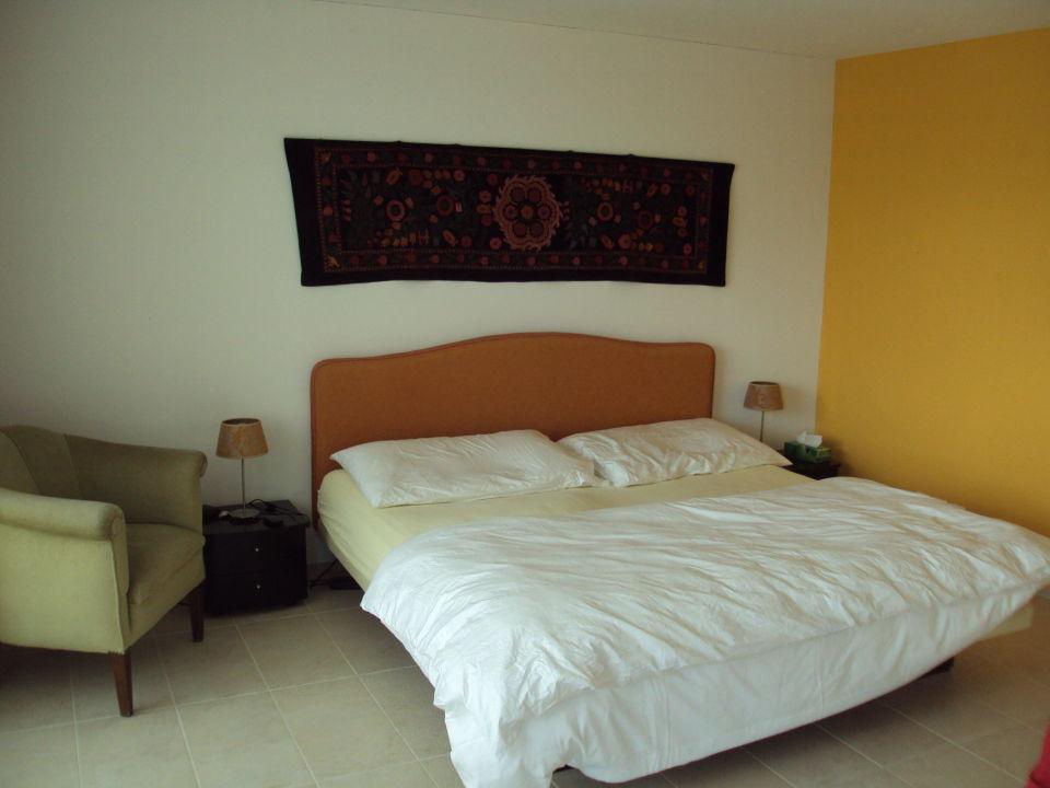 Schlafzimmer mit Wasserbett\