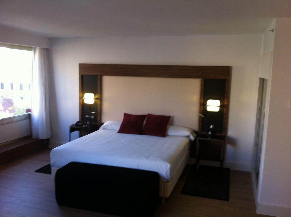 Großes Doppelbett Hotel Husa Moncloa