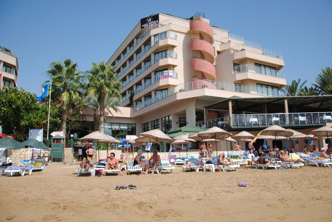 Meeresblick zum Hotel Aska Hotel Just in Beach