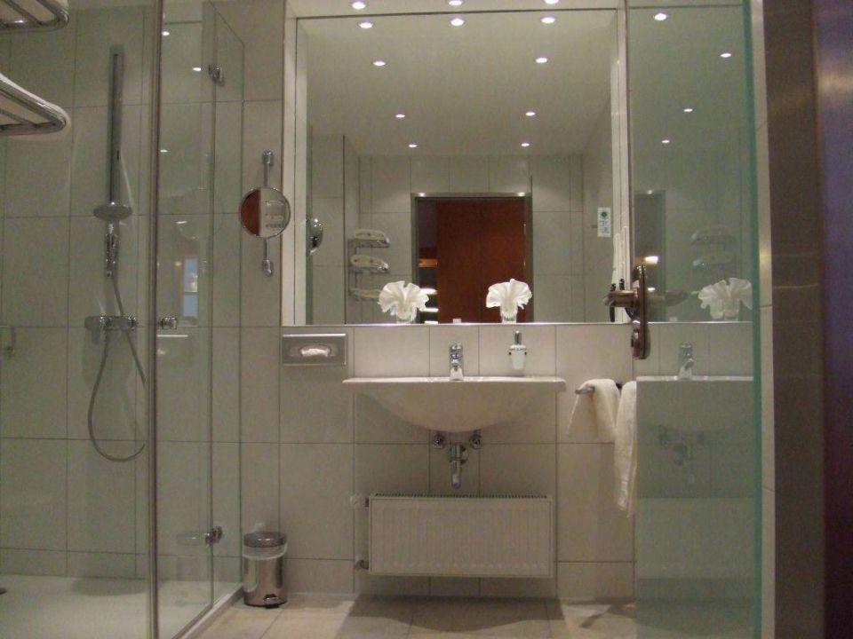 Schöne badezimmer im la strada neubau grand la strada in kassel