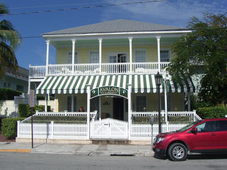 Blick auf das Hotel Avalon Bed & Breakfast