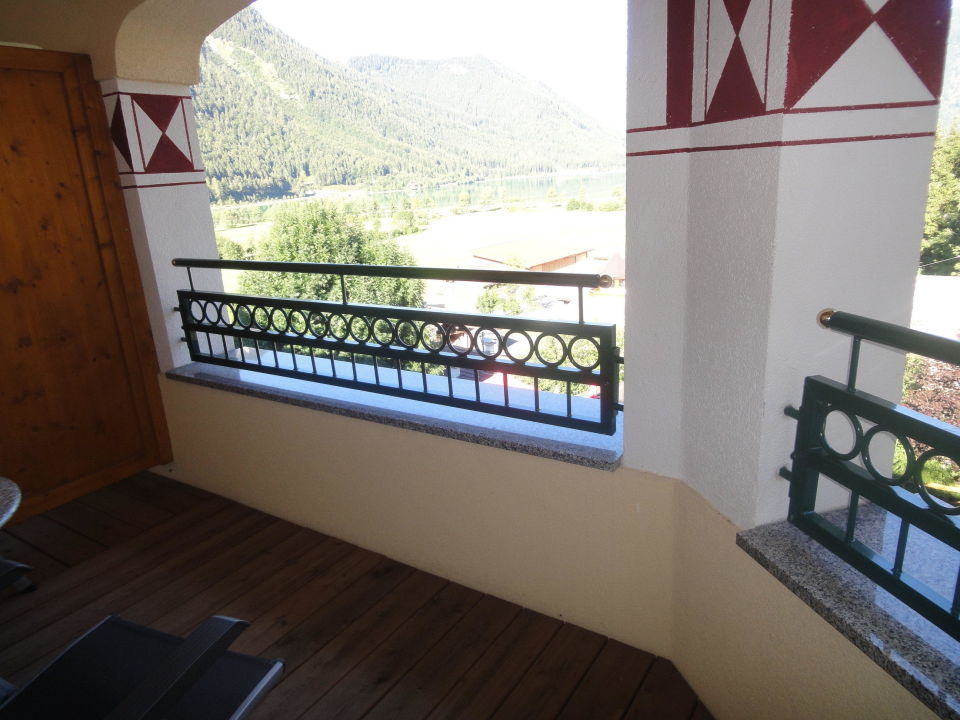 Holzfußboden Balkon ~ Holzfußboden balkon wpc fliesen balkon inspiration von balkon