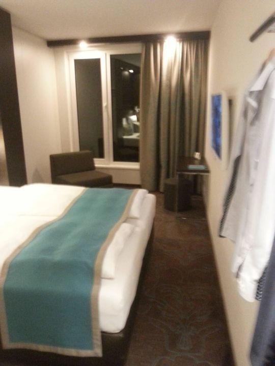 Zimmer mit Doppelbett\