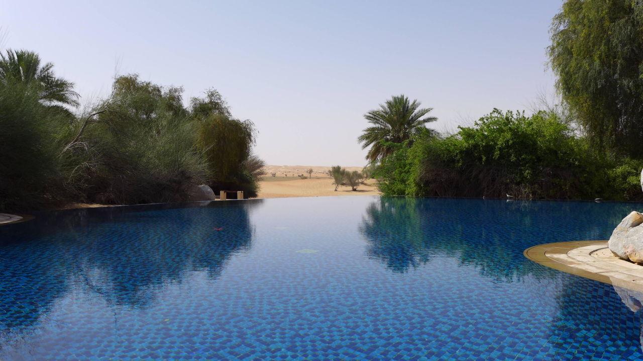 Sehr grosser öffentlicher Pool Al Maha, A Luxury Collection Desert Resort & Spa