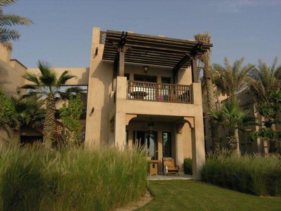 Dar al Masyaf - Terrassenseite der Villen Hotel Madinat Jumeirah - Dar Al Masyaf