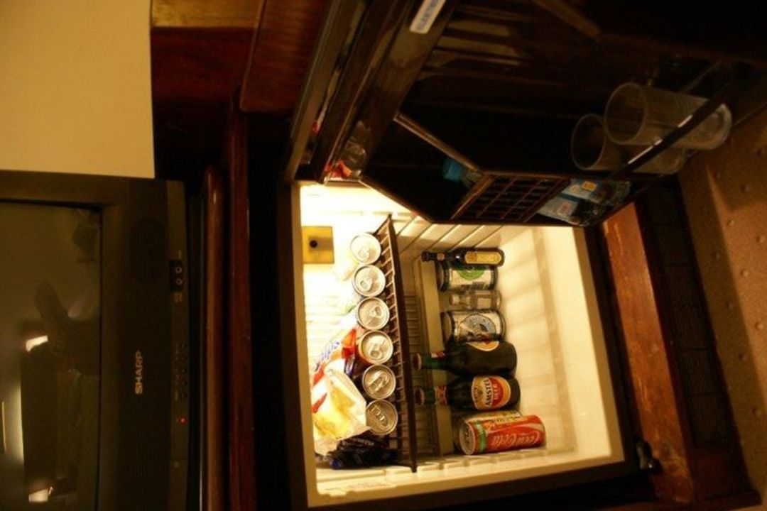 Minibar Als Kühlschrank Nutzen : Minibar kühlschrank bild von comet hotel berlin tripadvisor