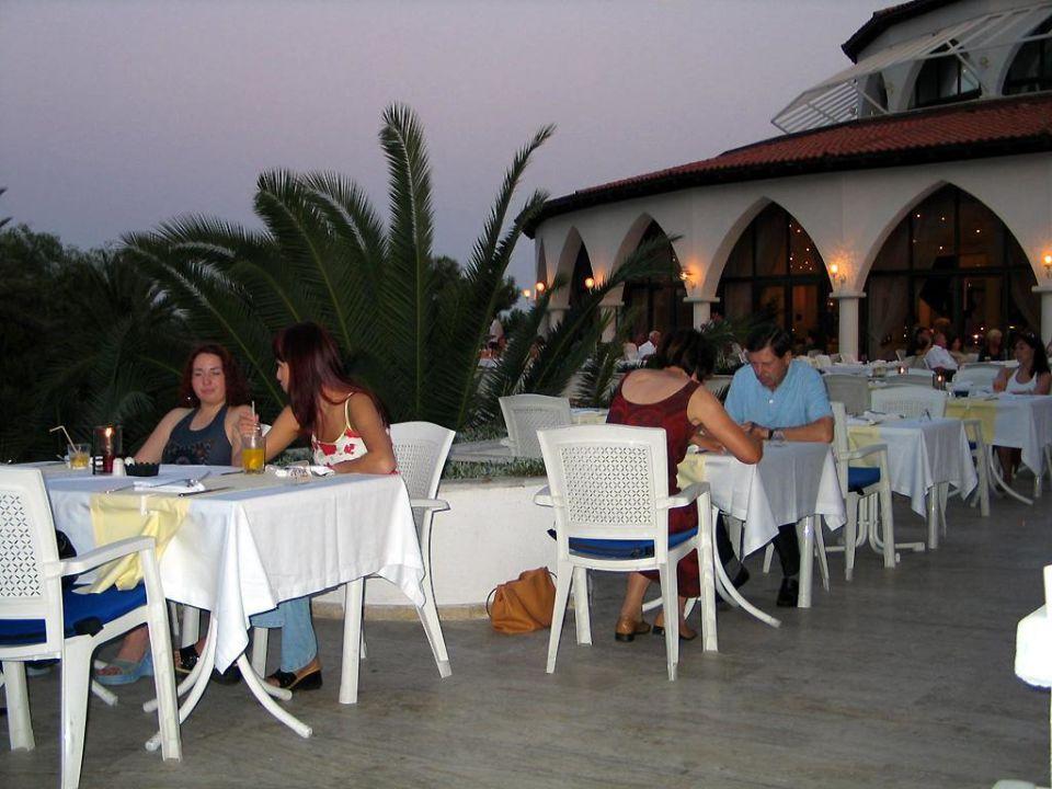 Terrasse Hauptrestaurant Kiriş World Hotel by Voyage  (geschlossen)