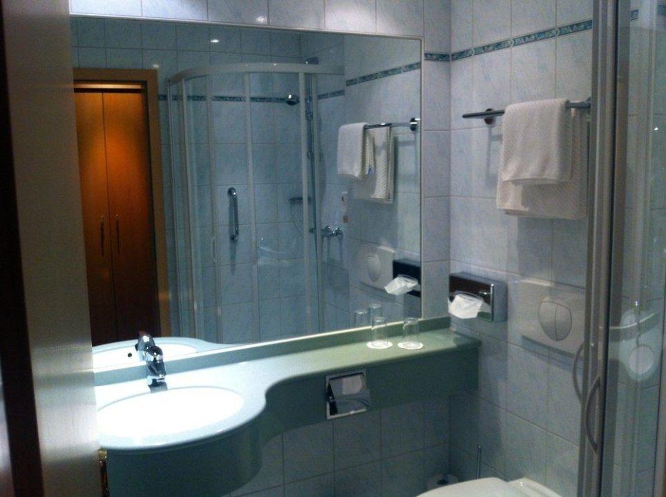 badezimmer modern eingerichtet waldhotel forsthaus hainholz pritzwalk holidaycheck. Black Bedroom Furniture Sets. Home Design Ideas