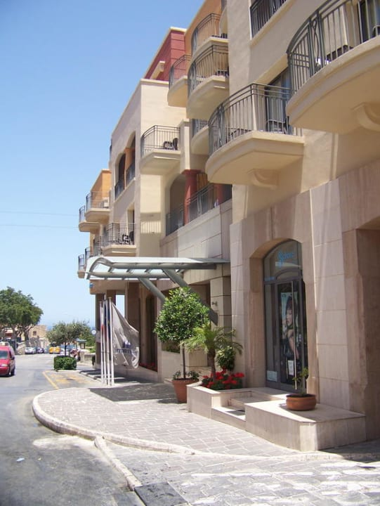 Haupteingang Maritim Antonine Hotel & Spa Malta