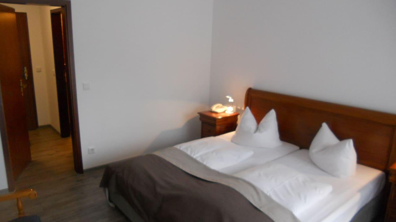 Blick vom Standort der Stehlampe am Balkon Hotel Wehrburg