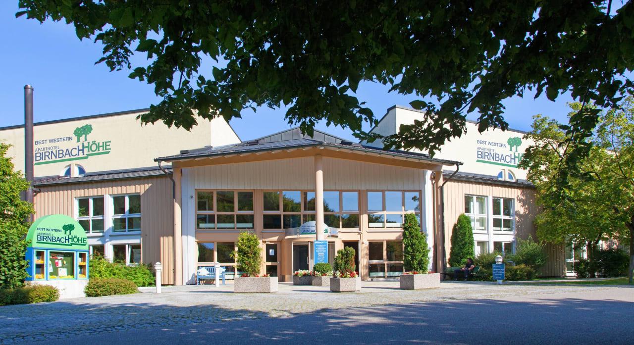 Haupteingang - herzlich willkommen! Best Western Aparthotel Birnbachhöhe