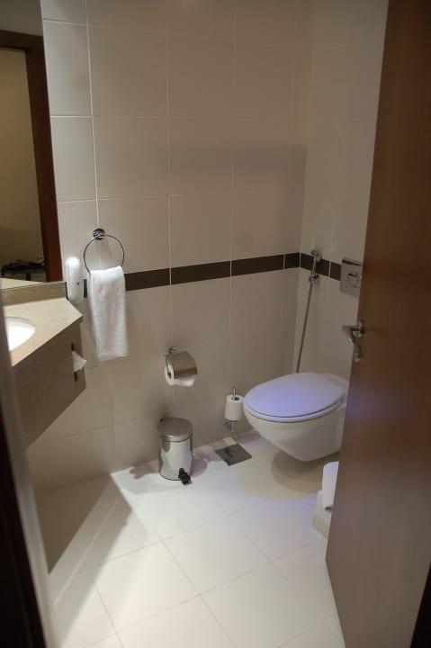 Туалет Hotel Holiday Inn Express Dubai Internet City
