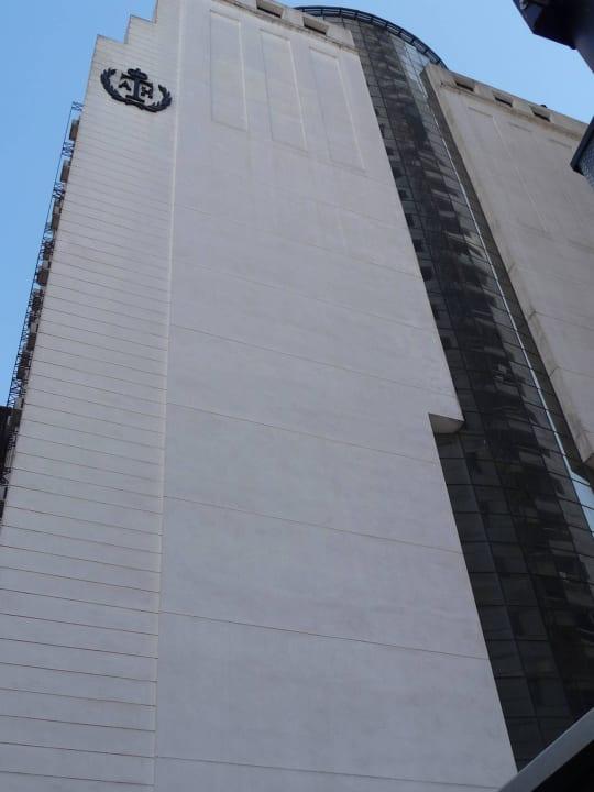 Rechte Seite des Hotels, li. Straße Paraguay Aspen Towers Hotel