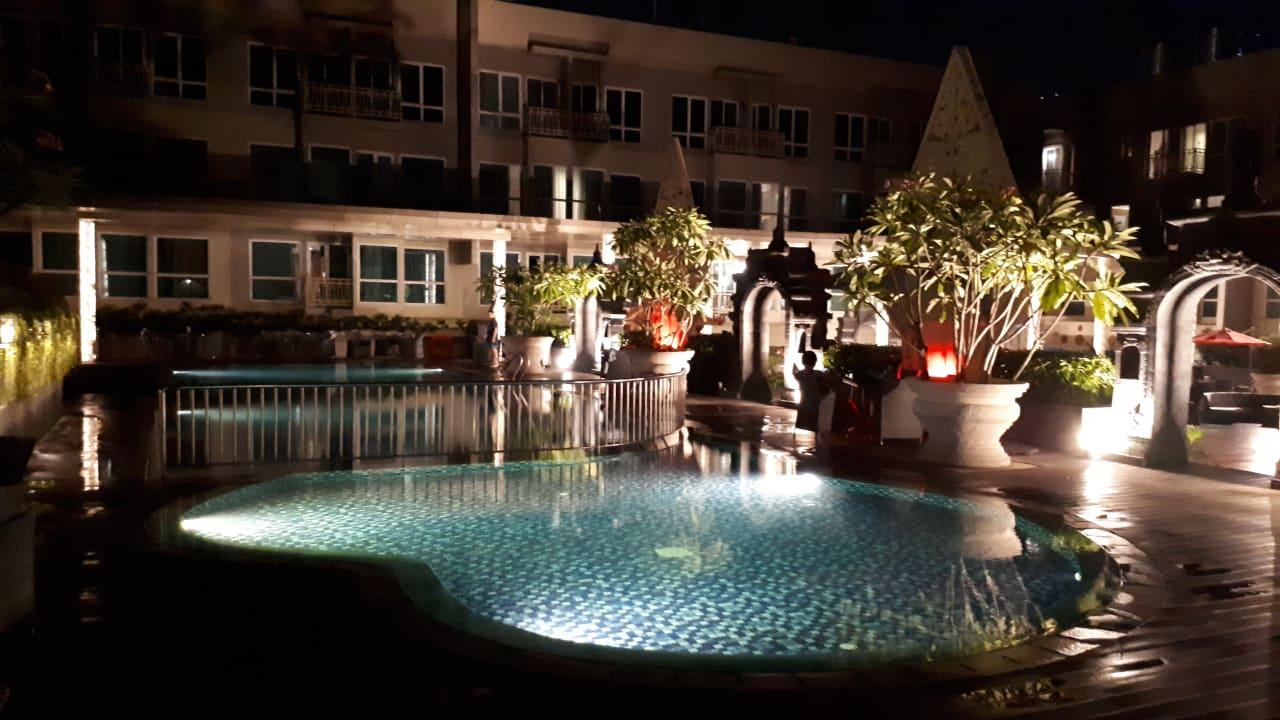 Pool Grand Mercure Yogyakarta Adi Sucipto