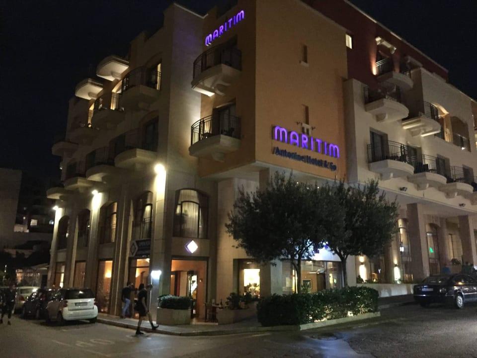 Unten Restauranteingang al Ponte Maritim Antonine Hotel & Spa Malta