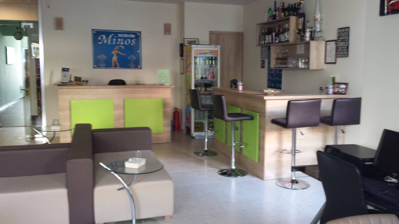 Eingang Hotel Minos